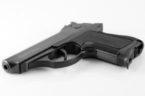В Новороссийске адвокат открыл стрельбу из пистолета, защищая клиентку
