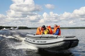 Владимир Путин прилетел на Селигер в реактивной лодке