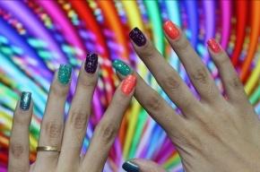 Шведским спортсменам запретили красить ногти в цвета радужного флага