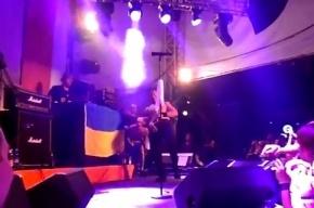 Музыканту Bloodhound Gang запретили въезд в Украину на 5 лет