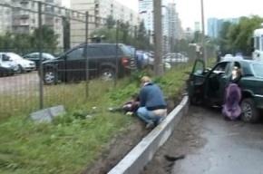Шестилетний ребенок погиб в ДТП на Рыбацком проспекте