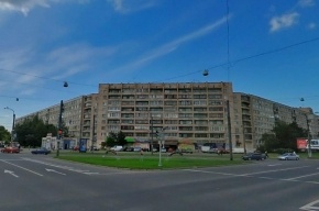 В Петербурге трехлетний мальчик выпал из окна третьего этажа
