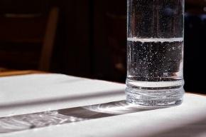 Ученые: пить воду перед компьютером опасно для здоровья