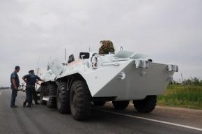 БТР врезался в спецавтомобиль полиции в Красноярске