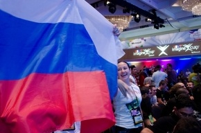 Петербург отмечает сегодня День государственного флага РФ