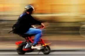 В Петербурге 45 пожарных тушили один-единственный скутер
