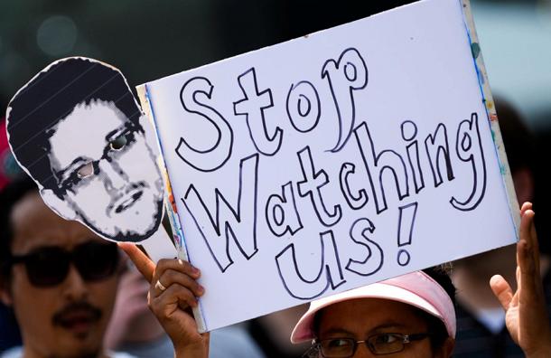 Американцы разместили сервер-шпион в Москве – Сноуден