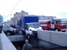 На Савушкина грузовик упал в подземный переход: Фоторепортаж