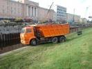 Фоторепортаж: ««КамАЗ» повис над Обводным каналом»