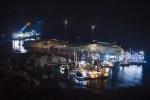 "Фоторепортаж: «операция по подъему круизного лайнера ""Коста Конкордия"" »"