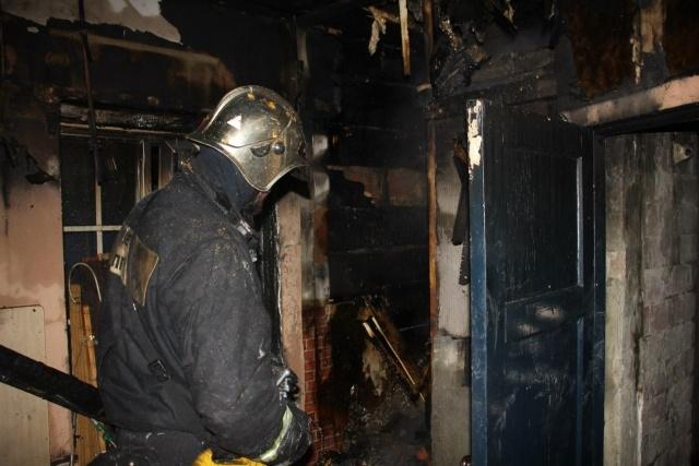 В Петербурге при пожаре на 3-й Советской погиб человек: Фото