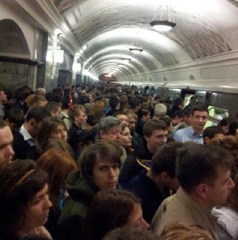 Сбой в метро Москвы 19 сентября: Фото