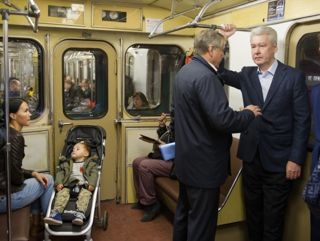 Сергей Собянин приехал на работу на метро: Фото