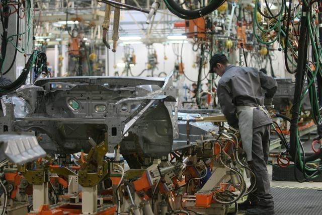 Работа завода Nissan в Петербурге: Фото