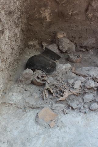 Останки людей в пещере майя в городе Ушуль: Фото