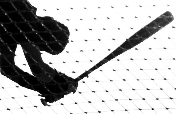 В Невском районе грабители убили петербуржца бейсбольной битой