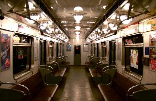 Половина поездов петербургского метро уже отслужили свой срок