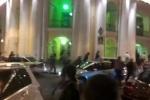 Участниками ночной стрельбы у Гостиного двора стали десятки человек