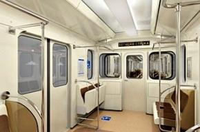 В метро Петербурга появились вагоны с откидными сидениями