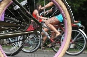 Полицейский отбился от грабителей, пытавшихся отобрать у него велосипед