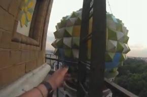 Повреждения крыши Спаса-на-Крови, на которую залезли руферы, оценят эксперты