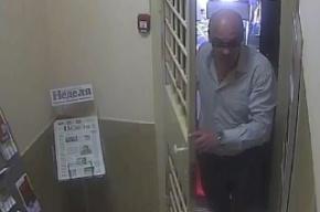 В Смоленске гипнотизер с кривыми зубами похитил миллион рублей из банка
