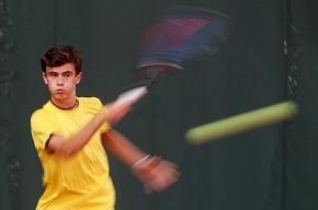 В Петербурге у Исаакиевского собора состоялся теннисный матч