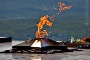 В Мурманске восстановили Вечный огонь, погасший из-за нехватки газа
