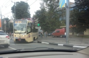 На востоке столицы трамвай сошел с рельсов
