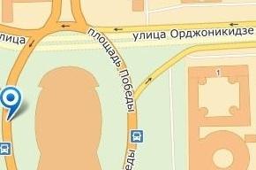На площади Победы в столкновении автобуса и легковушки пострадали двое