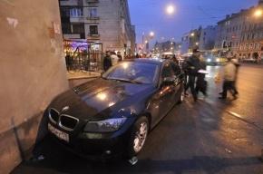 Пьяный водитель сбил женщину и ребенка в Гатчине