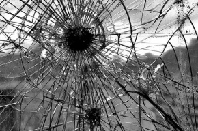 В Петербурге задержан подросток, который стрелял по окнам из пневматики