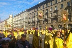 Из-за Крестного хода на Невском проспекте перекроют движение