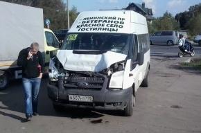 Пять человек пострадали в аварии маршрутного такси на Таллиннском шоссе