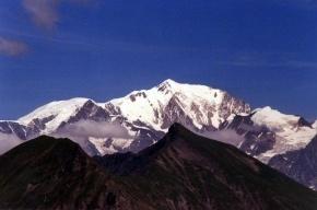 Альпинист нашел на Монблане клад с рубинами и изумрудами