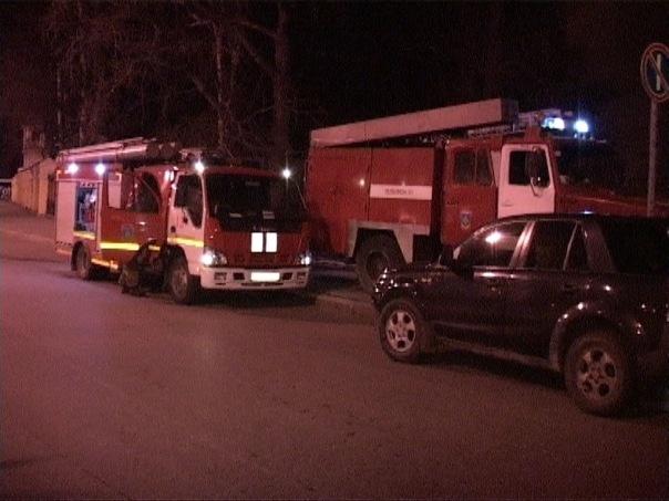 На набережной Екатерингофки ночью горело производственное здание: Фото