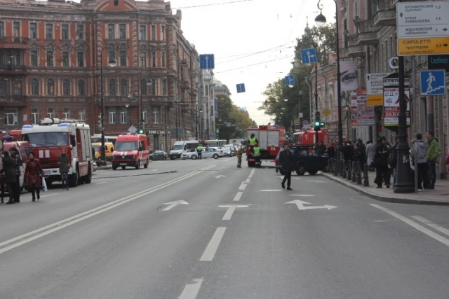 Пожар на станции метро «Петроградская»: Фото