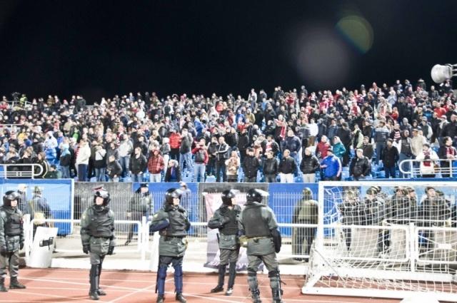 Беспорядки на трибунах во время матча Шинник - Спартак 30 октября 2013 года : Фото