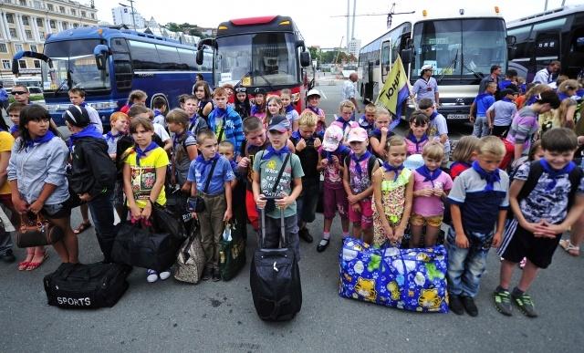 Дети из пострадавших от наводнения районов Приамурья прибыли на отдых во Владивосток. 28  августа 2013 года: Фото
