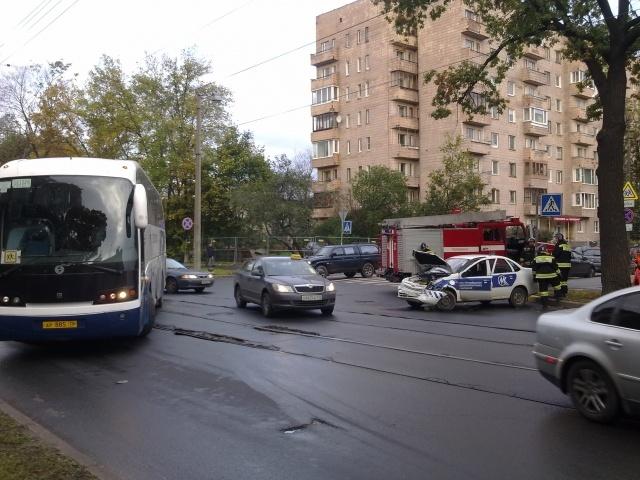 В Петербурге попал в аварию автобус с детьми: Фото