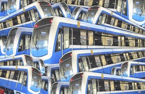 Эксперимент: корреспондент «МР» проехал в новом поезде метро «НеВа»