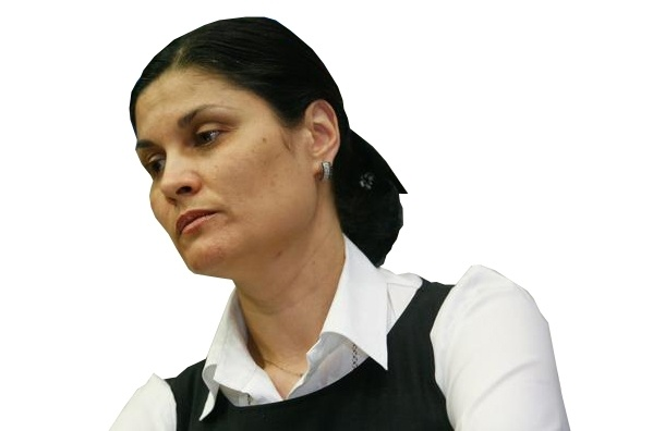 Глава УФМС по Петербургу и области Елена Дунаева: «Никому не дано право кричать: