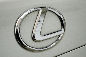 Петербуржец уехал покупать Lexus и пропал
