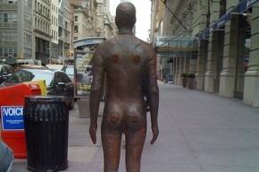 У метро «Гостиный двор» поймали голого мужчину