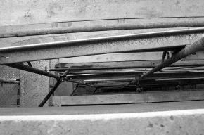 На стройке под Петербургом прораба покалечило конструкцией, упавшей с 19 этажа