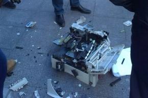 Депутат от «Яблока» разбил молотком принтер возле Госдумы