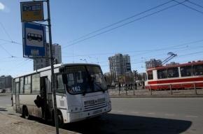 В Москве загорелся автобус с похоронной процессией, никто не пострадал