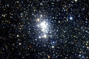 Астрономы наблюдают за смертью самой большой звезды Вселенной