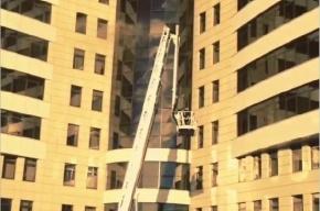В Петербурге горит бизнес-центр «Гулливер»
