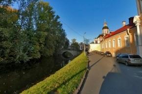 Еще один автомобиль упал в реку в Петербурге